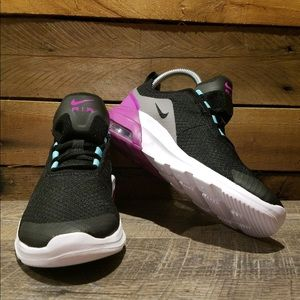NEW Nike Youth Air Max Motion 2 Sneaker